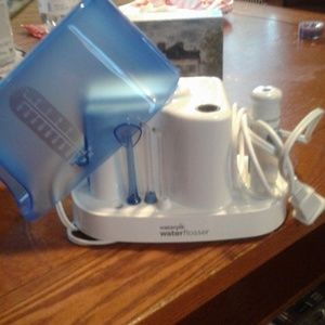 WATERPIK WATER FLOSSER NEVER USED